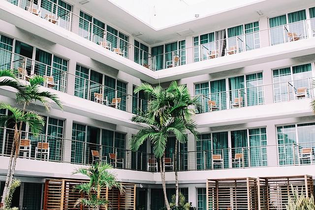 南国風アパートメントホテルの外観